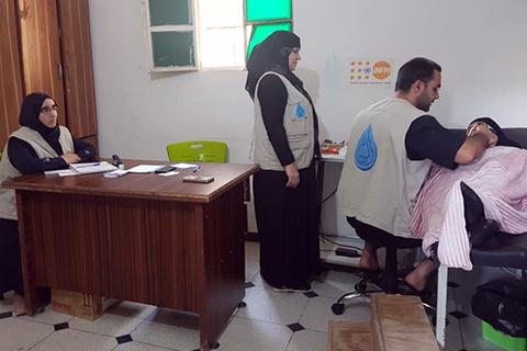 السيدة العيسى تتلقى خدمات صحة الأم. © صندوق الأمم المتحدة للسكان سوريا