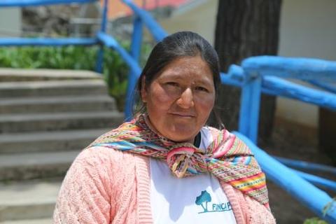 تتذكر إديلميرا مارتينا أنتاي دافيلا عندما كانت النساء تموت وهن يلدن في المنازل. © صندوق الأمم المتحدة للسكان بيرو / خوان بابلو كاسابيا