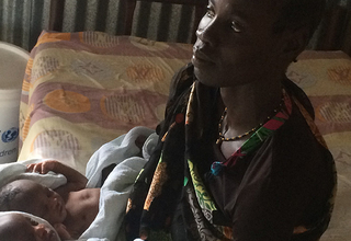 Nyador Dagey with her newborn twins in a UNFPA-supported clinic in Bentiu. © UNFPA South Sudan/Michael Gatluak Tuok