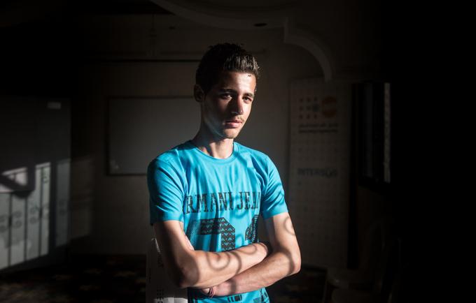 محمد من دمشق، يقيم فى لبنان منذ أربع سنوات بعد أن فر من النزاع ليعيش مع أسرته هنا.