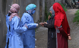 Outreach workers in Syria are worried about the vulnerability of women and girls under curfew. © UNFPA Syria