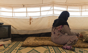 "Jannah* refuses to marry off her 14-year-old daughter, despite pressure from relatives. ""I will die before I give my daughter away,"" she said. © UNFPA/David Brunetti"